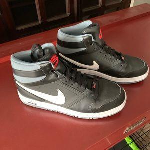 Nike high tops 91/2